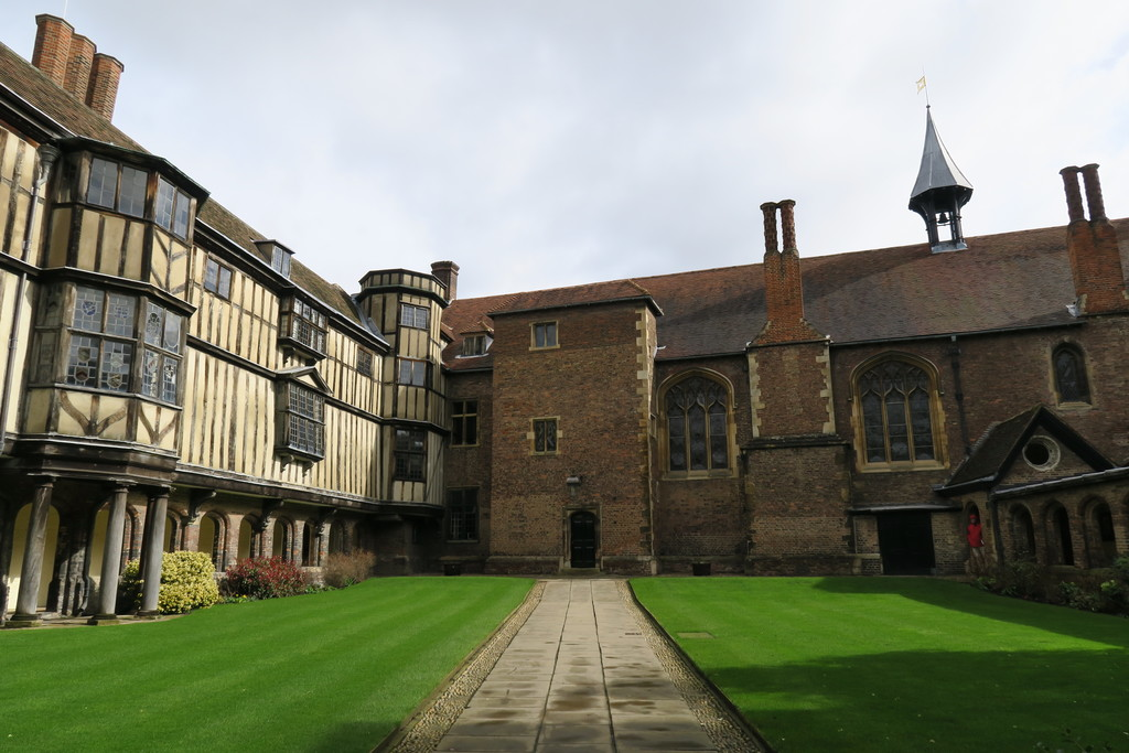 14.Queens College Cambridge