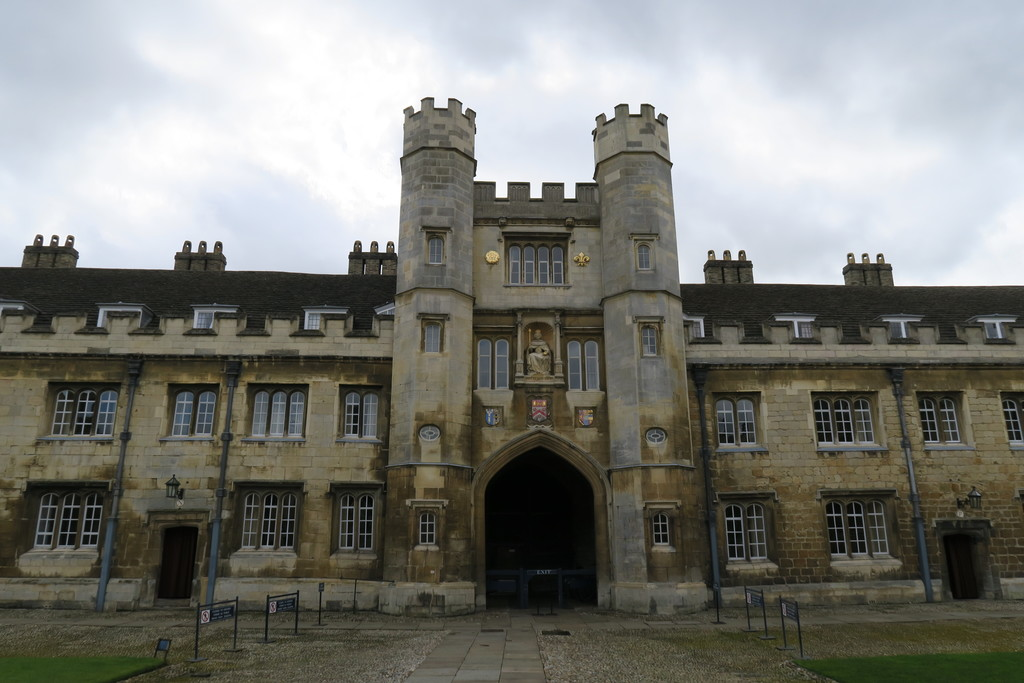 23.Trinity College Cambridge